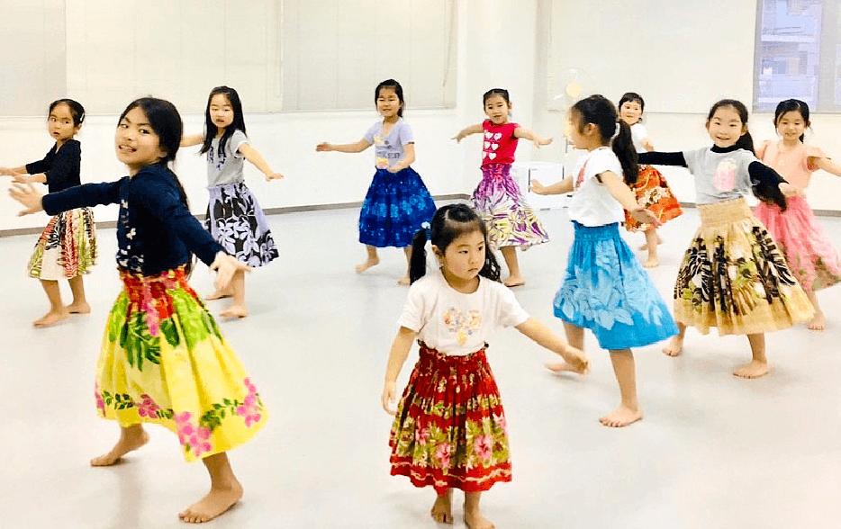 立川校クラス|東京・茨城のフラダンス・タヒチアンダンス教室|ヘレヒアポリネシアンダンススタジオ|